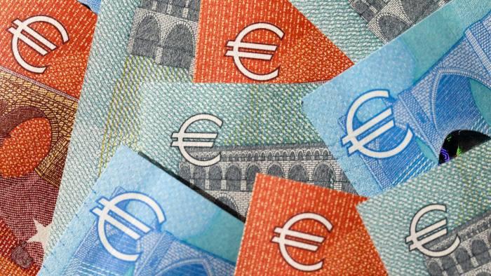 EURUSD: Keep Selling Above $1.1150